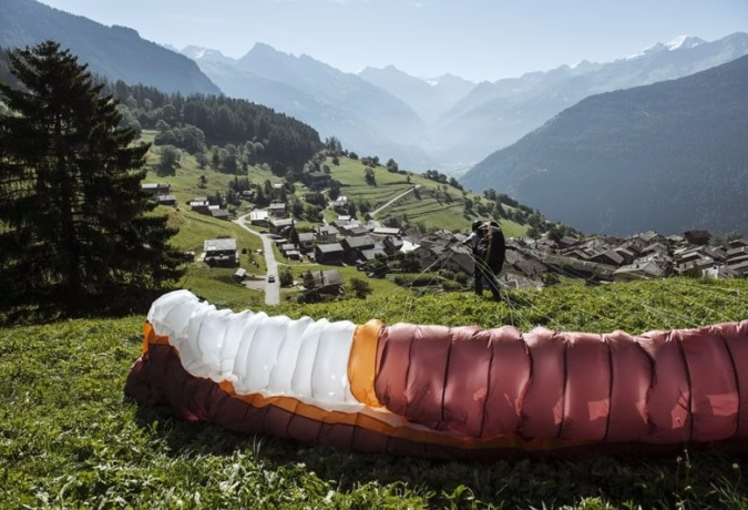 Taking off in Verbier - learn to paraglide