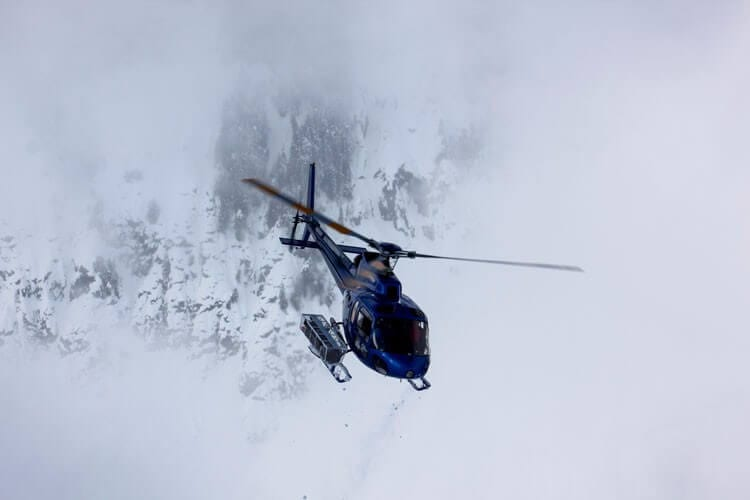 winter-heli-paragliding